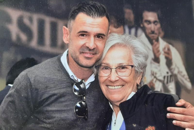 Con el exfutbolista de la Ponferradina Jonathan Ruiz